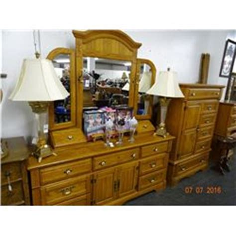 golden oak bedroom furniture golden oak queen 4 post bedroom set bay area auction