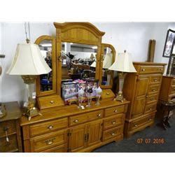 golden oak bedroom furniture golden oak queen 4 post bedroom set bay area auction services