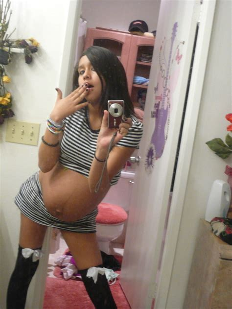 anal dildo bathroom mommyish s guide to taking the ultimate pregnant selfie