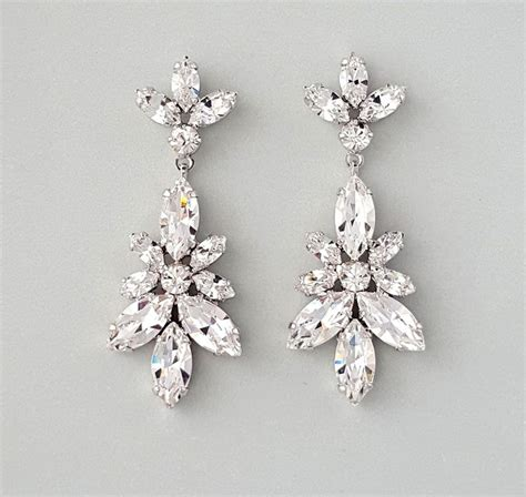 chandelier earrings best 25 bridal chandelier earrings ideas on