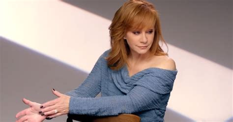 Watch Reba S Empowering New Going Out Like That Video   watch reba s empowering new going out like that video