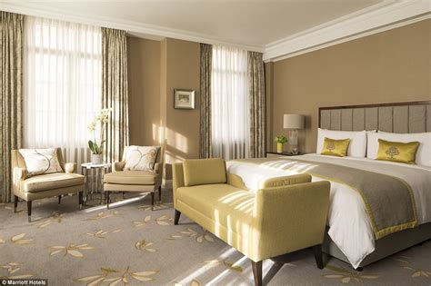 londons landmark grosvenor house hotel     sale