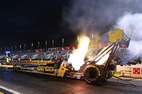 don t forget your earplugs how a top fuel dragster works
