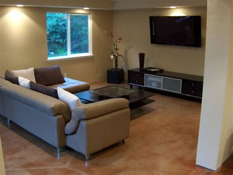Concrete Floors in Homes   Family Room Floor Pictures