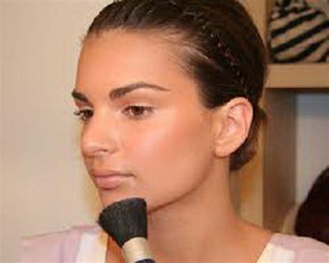 cara merias wajah bulat minimalis yang natural dan benar cara merias wajah bulat minimalis yang natural dan benar