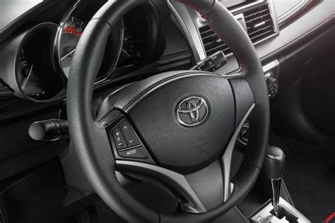 volante toyota yaris toyota yaris hatchback 2017 su eficiencia sigue estando