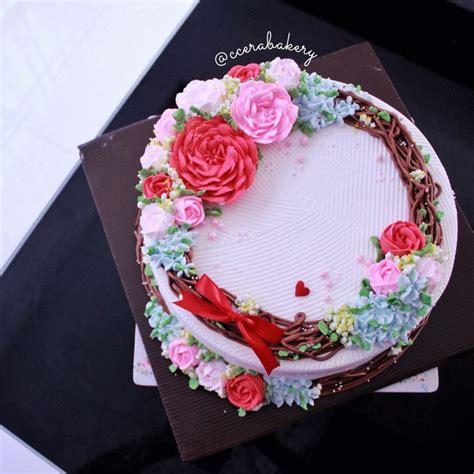 Wreath Style Korean Buttercream peonies wreath korean buttercream cake insta ccerabakery my creation