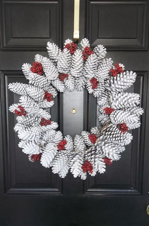 diy wreath ideas 30 creative diy wreath ideas and tutorials