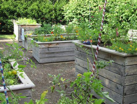 lansing gardens