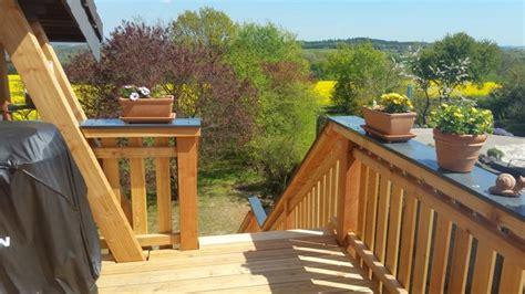 veranda mit treppe 43 best images about holzbalkone holzterrassen aus