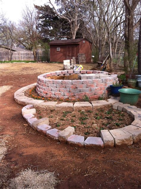 My Keyhole Garden Garden Ideas Pinterest Keyhole Garden Layout