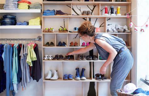 proposal membuat rak sepatu tip miliki rak sepatu minimalis smartmama