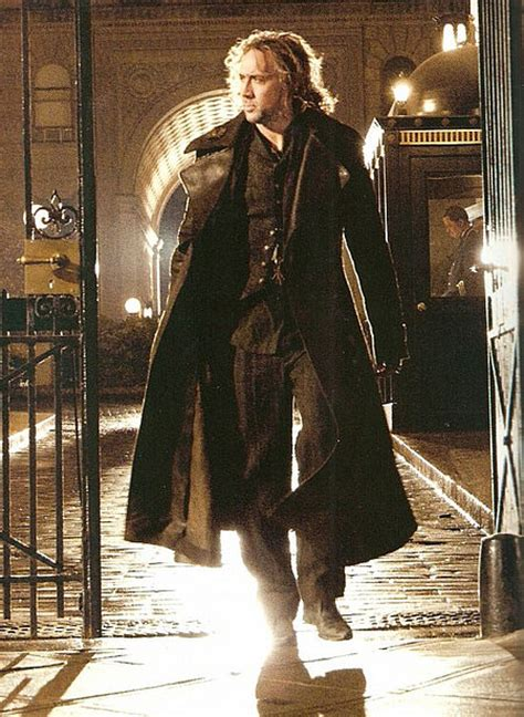 nicolas cage wizard film nic cage images from sorcerer s apprentice revealed heyuguys