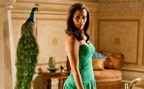 pemain wanita film nenek gayung gaya seksi pemeran wanita di mission impossible fashion