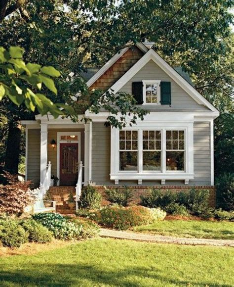 Paint Colors For Cottage Style Homes by 25 Best Ideas About House On Cozy Homes