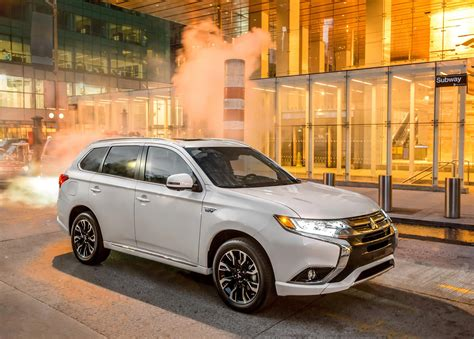 2017 white mitsubishi outlander 2017 mitsubishi outlander phev news and information