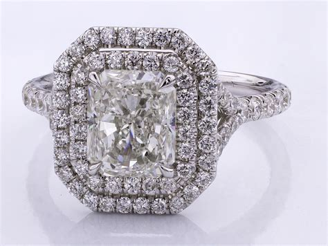 halo engagement rings what diamonds look best adiamor