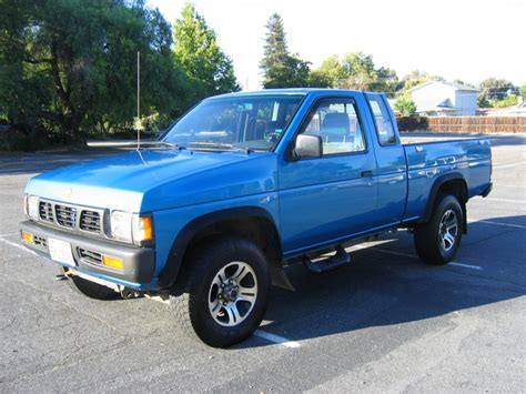 nissan trucks interior 1996 nissan truck blue 200 interior and exterior images