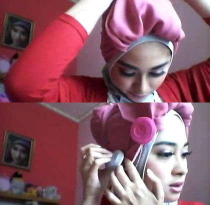 tutorial turban untuk berenang tutorial hijab turban untuk bergaya unik ala nina septiani 5