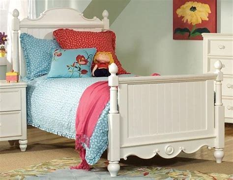 cape cod style bedroom furniture children s bedroom furniture white cape cod style bedroom sets in twin and full