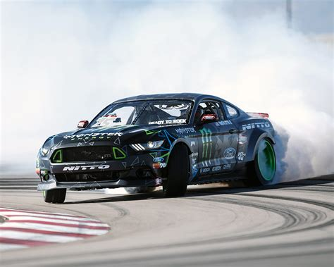 new drift vaughn gittin jr ford unveiled 2016 ford mustang drift
