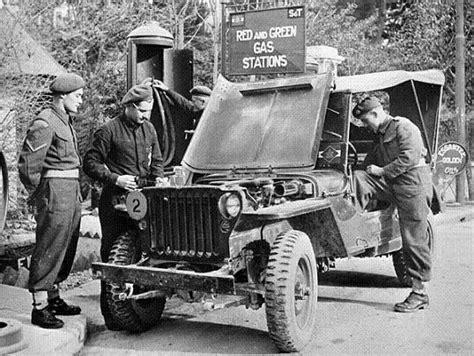 Sale Pedro Original Sz 44 45 personnel of the loyal edmonton regiment filling a jeep