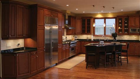 Kitchens With Maple Cabinets Maple Kitchen Cabinets And Wall Color Home Design