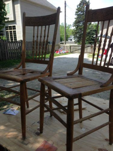 Refinishing Dining Chairs Thrifted Farmhouse Chairs With A Whitewash Finish Refresh Living