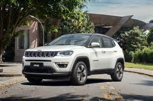 White Jeep Compass 2017 Jeep Compass Poses For The In All Trim Levels