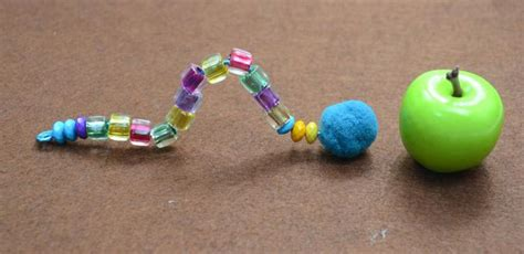 free pattern for beaded bugs with colorful acrylic