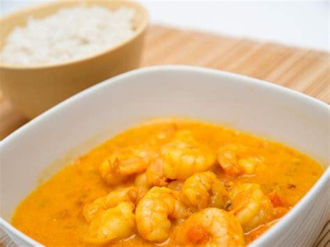 come cucinare i gamberetti in padella gamberetti in padella con curry ricetta
