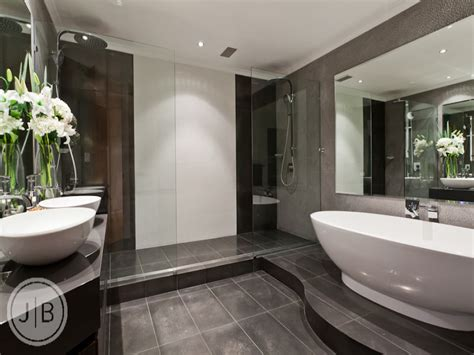 Designer Bathroom Ideas by Modern Bathroom Design With Freestanding Bath Using