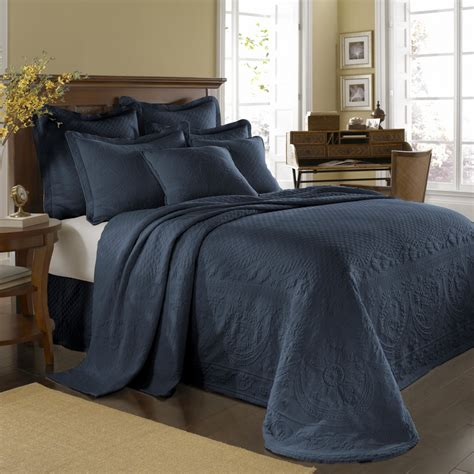 Blue Coverlet King Provincial Blue King Charles Bedspread And Coverlet
