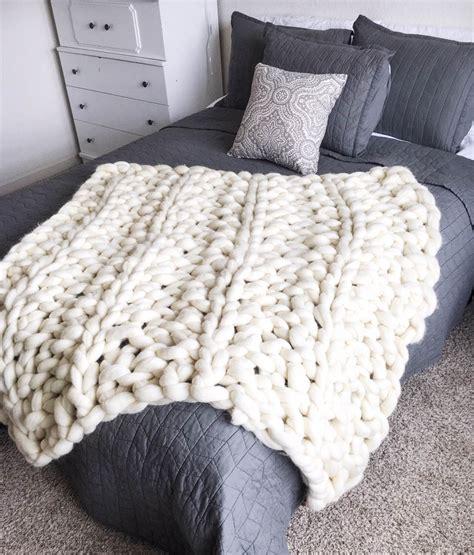 bettdecke stricken chunky arm knit blanket by creationsbykaitlan on
