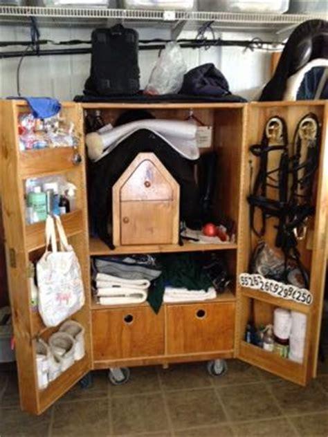 pro equine grooms tack trunk options   horses stuff