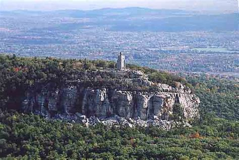 mohonk mountain house new paltz ny mohonk mountain house ny catskills new paltz hudson valley new york retreat