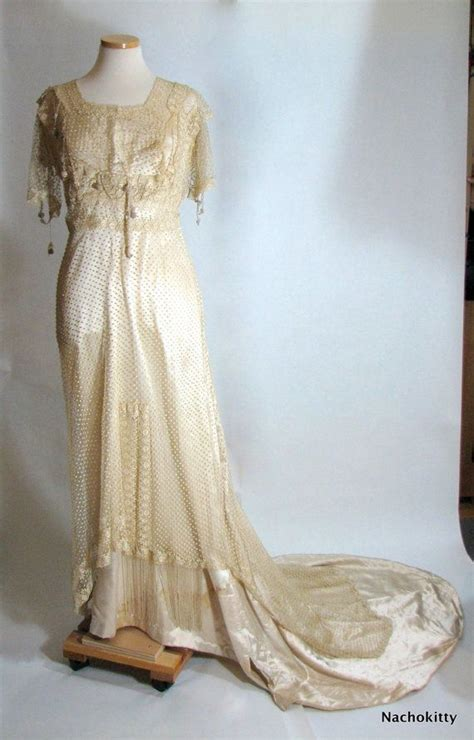 Antique Wedding Dresses by Vintage Wedding Dresses The Real Deal Onewed
