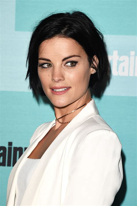 super short growing out hair 10 ideas for growing out short hair stylecaster