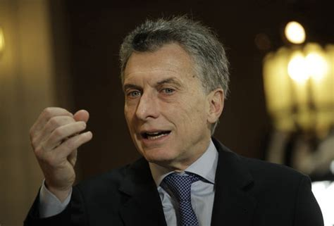 mauricio macri argentina president argentina forgets to add falklands on new year s message