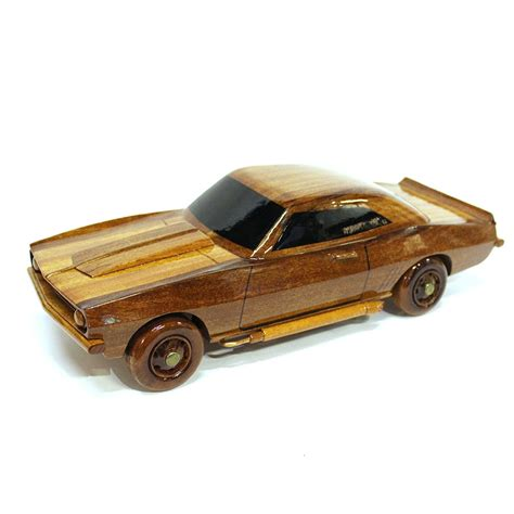Auto Aus Holz by Chevrolet Camaro Wood Car Model Wooden Carved Car