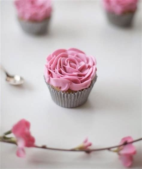 easy cupcake ideas for bridal shower roses easy bridal shower cupcake ideas real simple