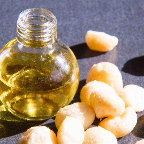 benefits of macadamia for your hair