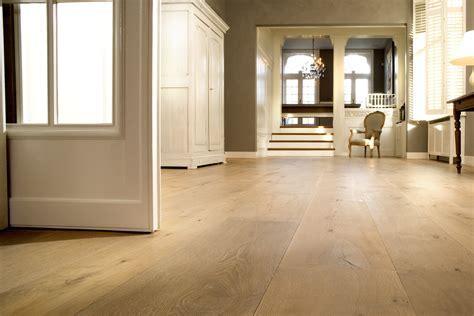 Solid Wood Flooring Suitable for Underfloor Heating