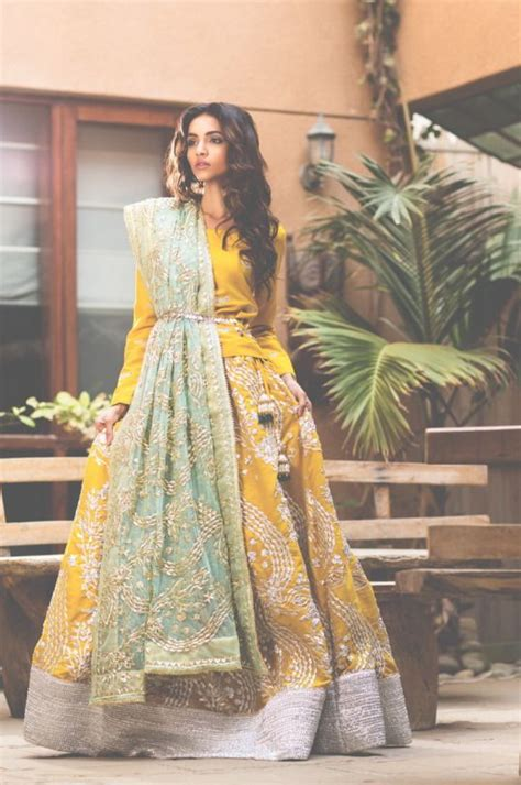 Fashion Friend Couture In The City On Behnaz Sarafpour by 25 Best Ideas About Mehndi Dress On