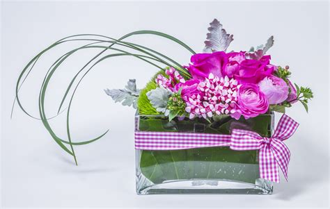 cottage garden flowers and gifts trough in pinks cottage garden flowers gifts
