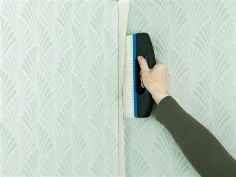 Pose De Tapisserie by Pose Du Papier Peint Techniques Conseils Astuces Et Photos