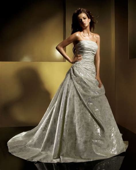 What Color Matches With Gray silver wedding dresses uk