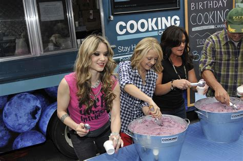 nadia cooking channel rachael ray ben sargent photos the cooking channel s first birthday