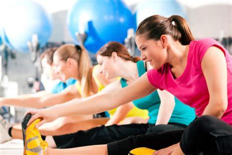 palestra in casa esercizi fitness palestra a casa esercizi la base essenziale per
