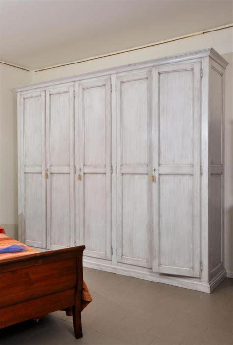 armadi grandi dimensioni armadi intarsiati archivi mobili vangelista